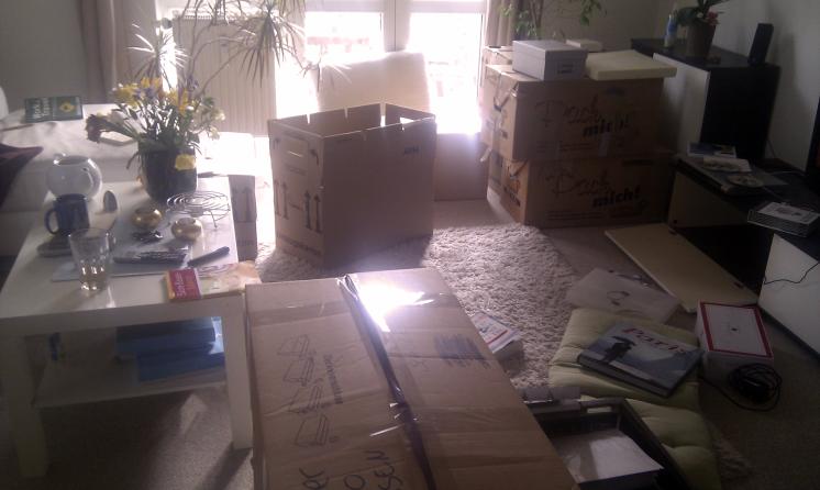 Die ersten Kisten sind gepackt